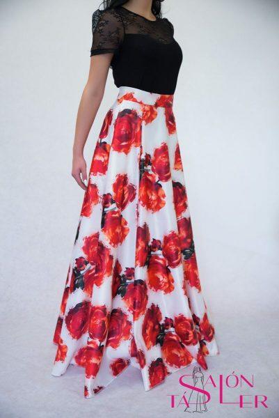 Kruhová sukňa z hrubého červeného potlačeného saténu z dielne KTD STYLE