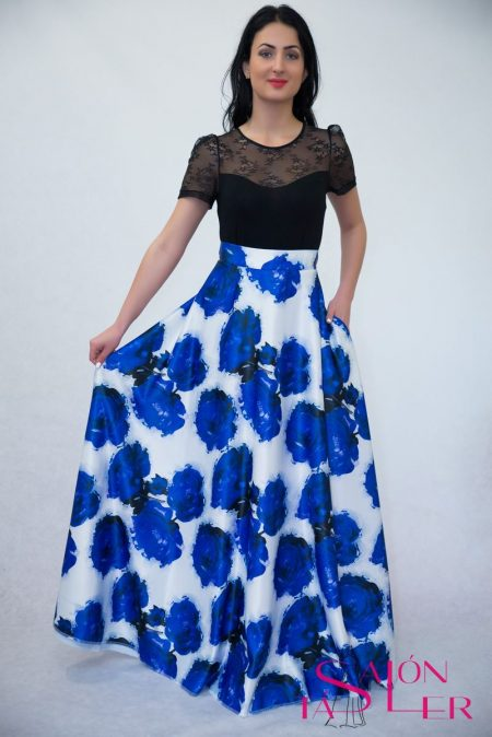 Maxi kruhová sukňa MODRÉ RUŽE z dielne KTD STYLE