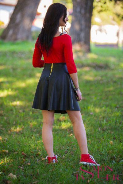 Koženková čierna sukňa z dielne KTD STYLE