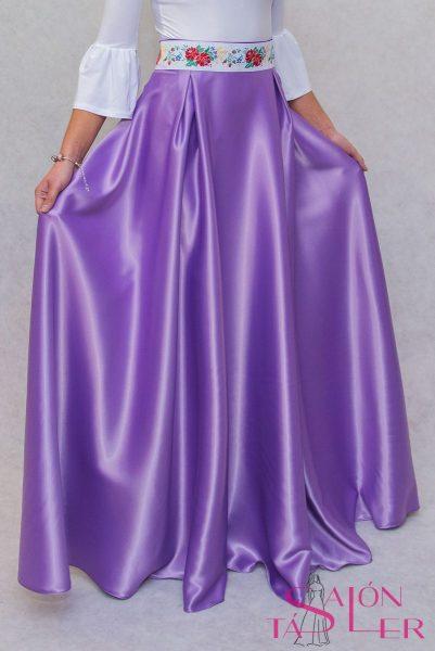 Kruhová jednofarebná sukňa zo saténu z dielne KTD STYLE