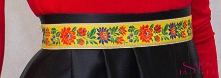 Opasok žltý s folklórnou bordúrou značky KTD STYLE