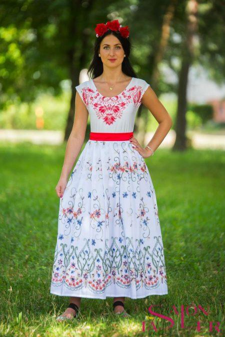 6488b0b4cfd0 Dlhá biela vyšívaná sukňa hustý vzor z dielne KTD STYLE