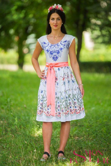 19ec45dbcc28 Krátka biela vyšívaná sukňa hustý vzor z dielne KTD STYLE