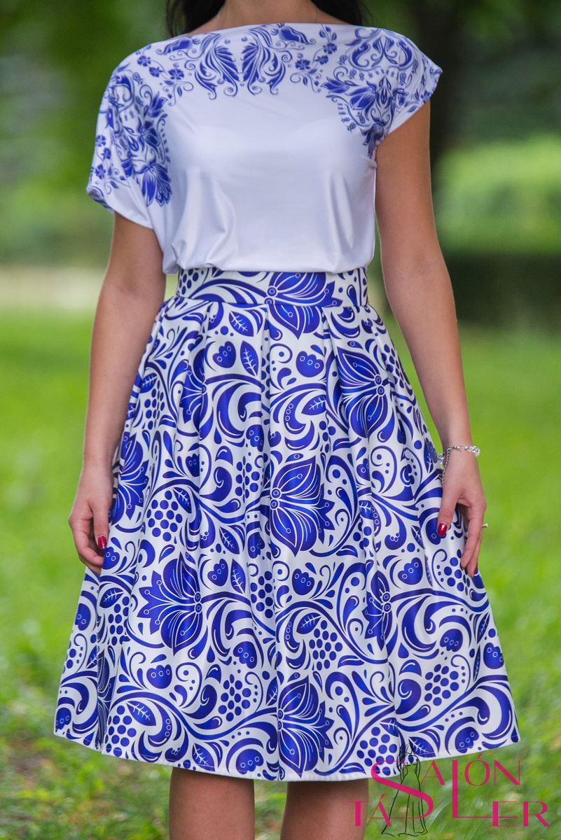 Krátka sukňa s modrým folklórnym vzorom z dielne KTD STYLE  5aefd93cde2