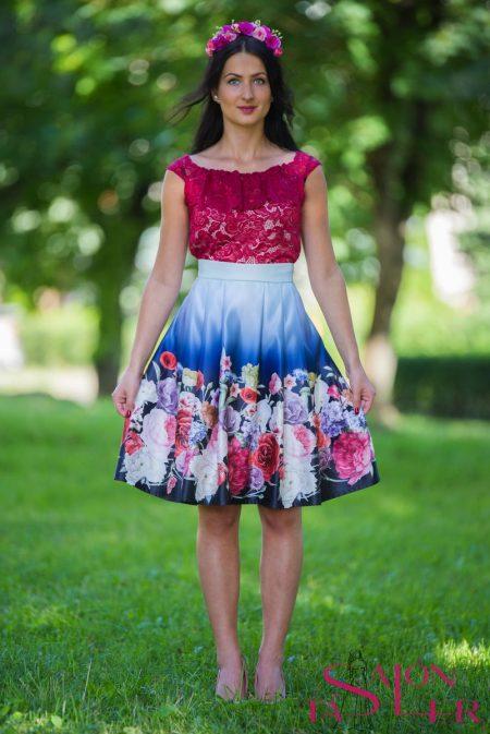 Midi sukňa kvety na modrom z dielne KTD STYLE