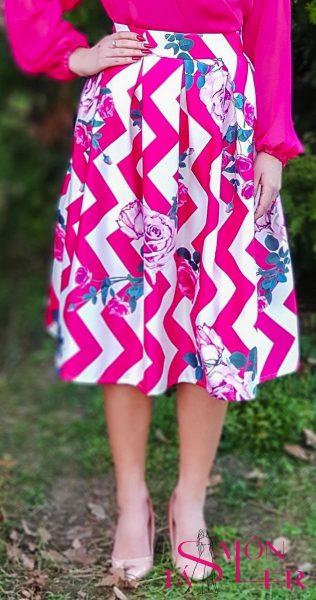 Midi sukňa s ružovým chevron vzorom z dielne KTD STYLE