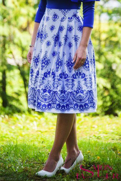 Midi sukňa modrá imitácia krajky z dielne KTD STYLE