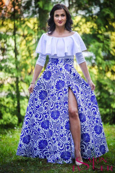 Kruhová FOLKLÓRNA sukňa MODRO-BIELA s preloženým rázporkom z dielne KTD STYLE
