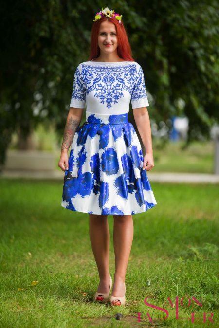 Midi kruhová sukňa MODRÉ RUŽE z dielne KTD STYLE